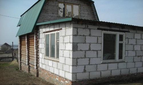 Пристройка к деревянному дому из пеноблоков