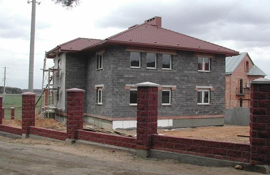 Двухэтажный дом из керамзитобетонных блоков