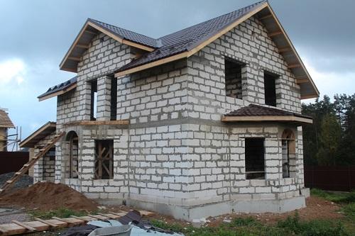 Так выглядит построенный из пеноблоков дом