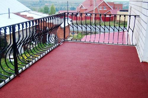 Балкон, окрашенный резиновой краской