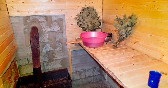 Внутренняя отделка бани может быть сделана любыми экологически чистыми материалами
