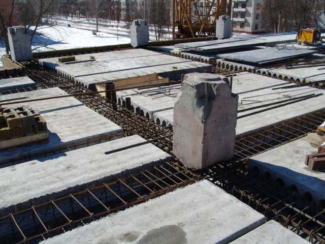 Стык сборных железобетонных колонн для каркасов зданий