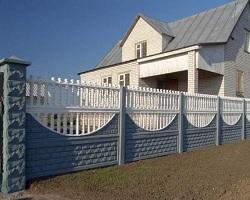 Декоративный бетонный забор из плит