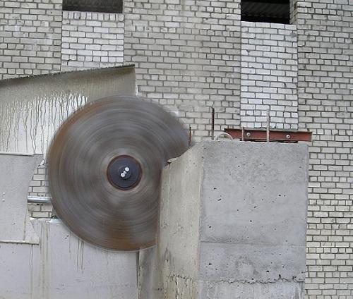 Алмазная резка бетона имеет высокую скорость работы