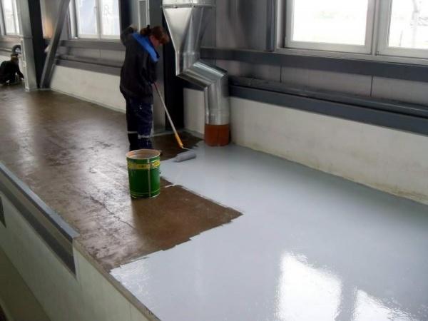 Окрашивание бетонного пола полиуритановой краской