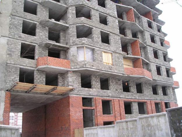 Многоэтажное здание из полистиролбетона