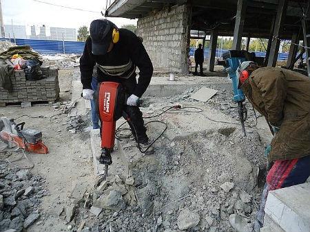 Ручная разборка бетонных конструкций