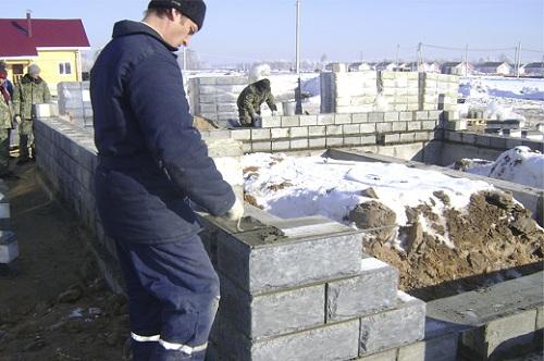 Процесс строительства дома из теплоблоков