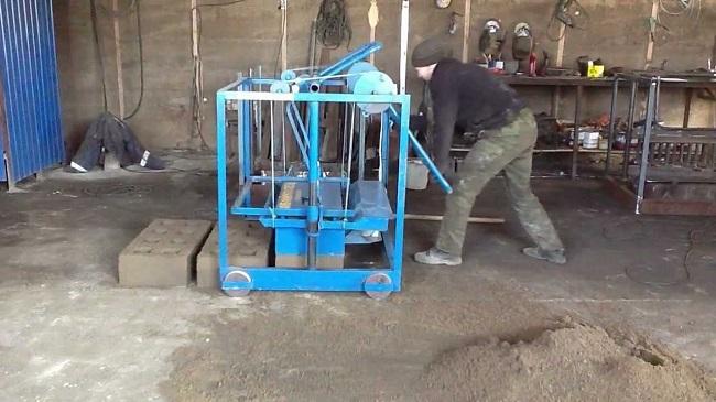 Производство блоков на вибростанке