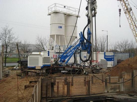 Буровая установка для цементации грунта