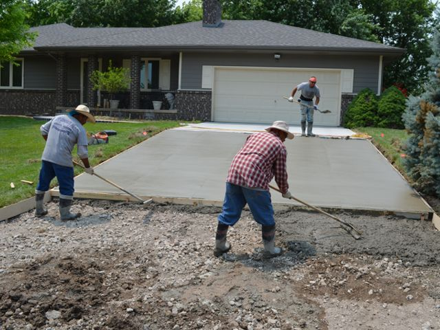 Заливка плитного фундамента бетоном М500