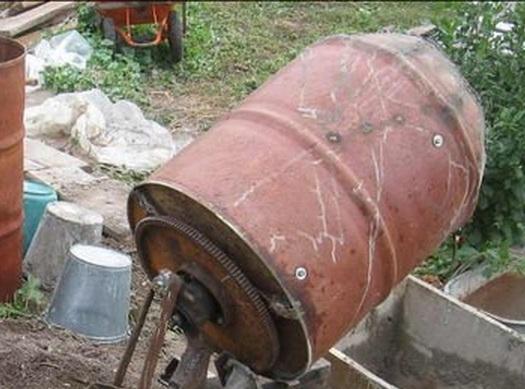 Для резервуара необходимо подобрать прочную не ветхую бочку