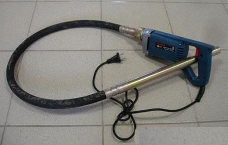 Самодельный вибратор для бетона на основе перфоратора