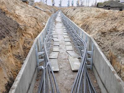 Прокладка силовых кабельных трасс под землей в железобетонных лотках