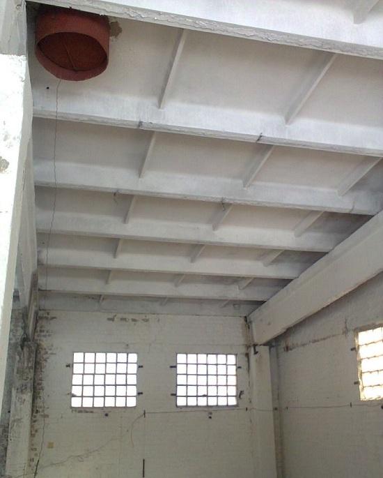 Ребристые плиты перекрытий используются при возведении промышленных объектов