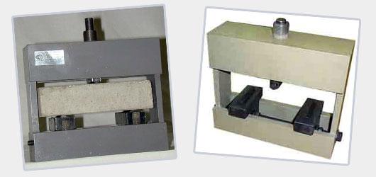 Станок для определения прочности бетона на изгиб